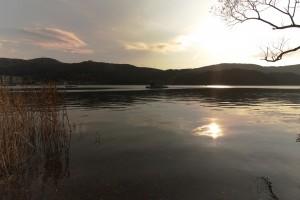 箱根芦ノ湖の湖畔